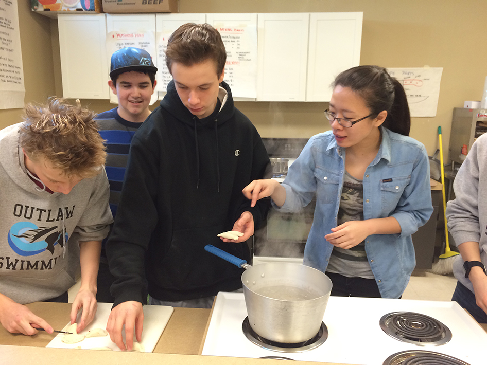 2015-02-20-making-chinese-dumplings-19
