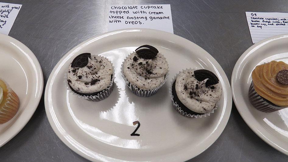 2015-04-17-cupcake-wars-2015-11am-02
