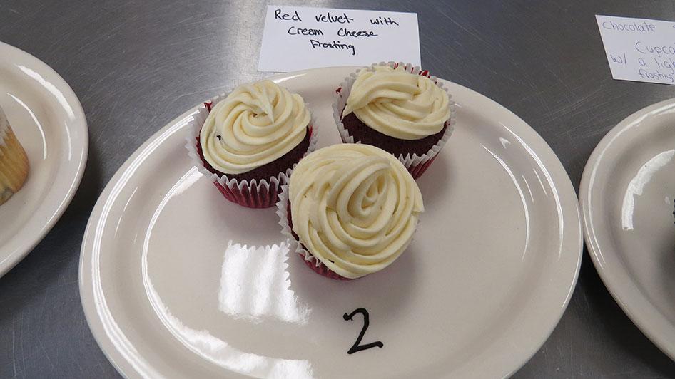 2015-04-17-cupcake-wars-2015-12pm-02