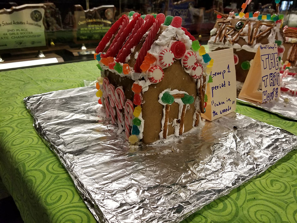 2017-12-15-gingerbread-houses-01