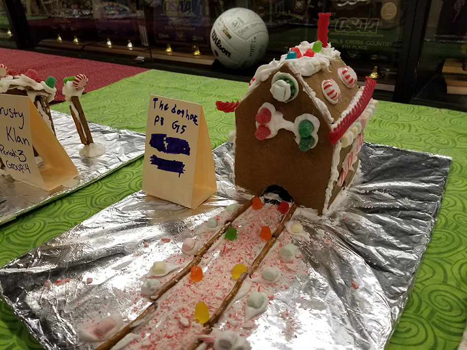 2017-12-15-gingerbread-houses-10