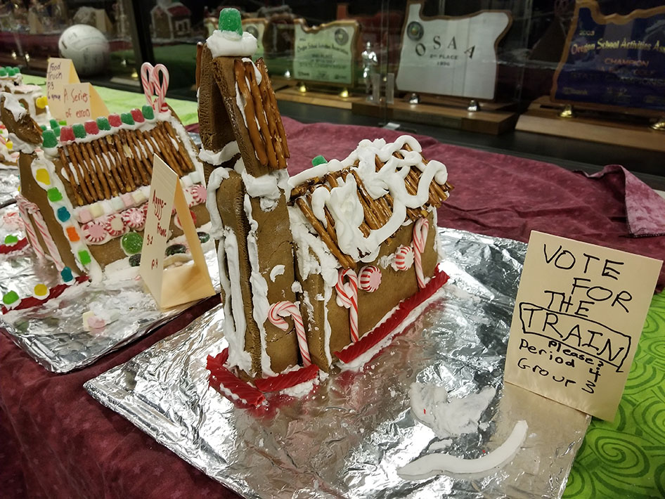 2017-12-15-gingerbread-houses-14