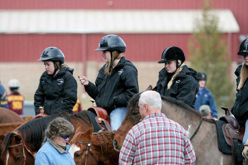 2014-02-25-equestrian-team-04