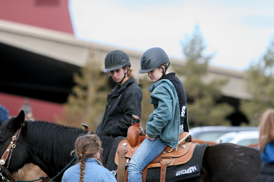 2014-02-25-equestrian-team-05