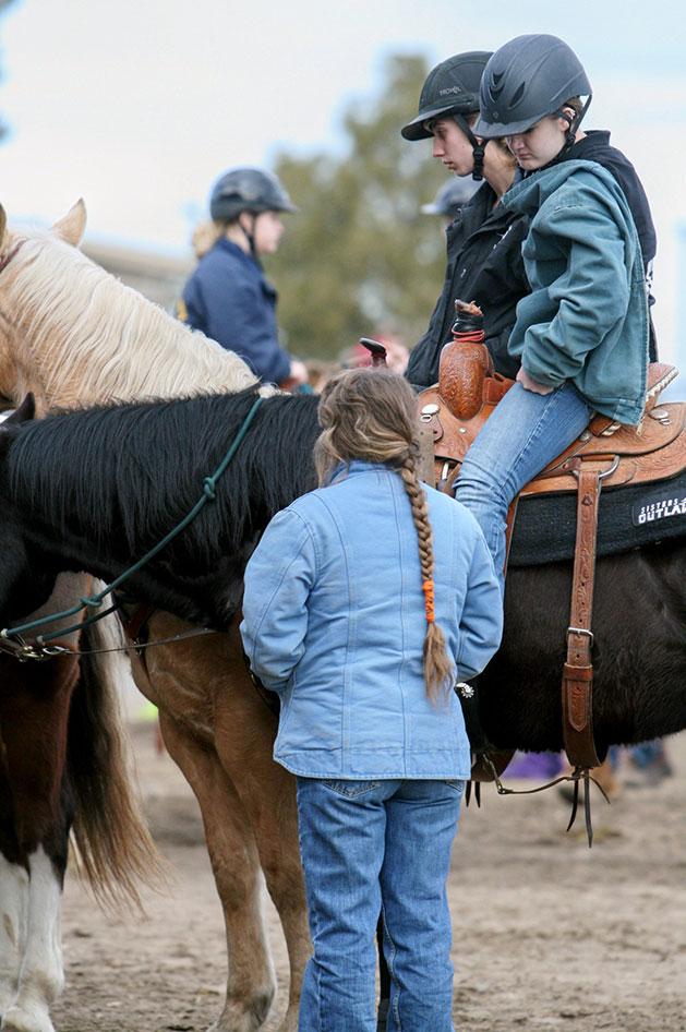 2014-02-25-equestrian-team-06