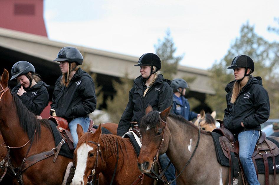 2014-02-25-equestrian-team-09