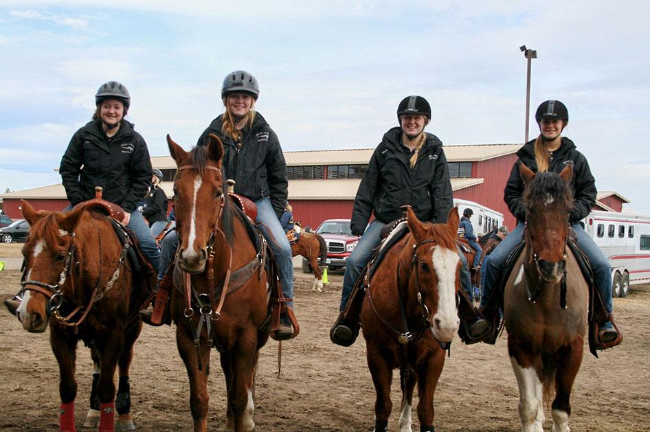 2014-02-25-equestrian-team-12