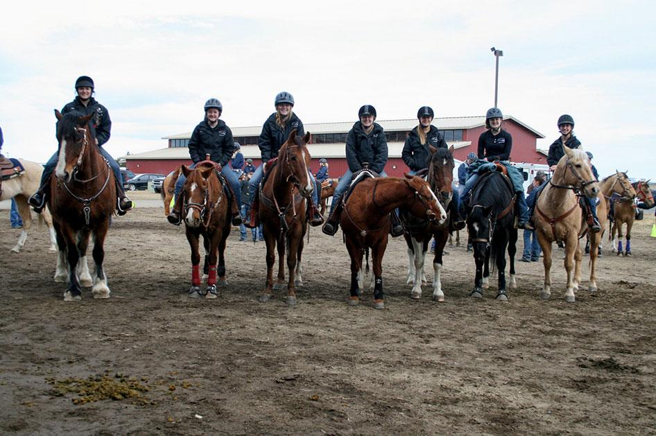 2014-02-25-equestrian-team-13