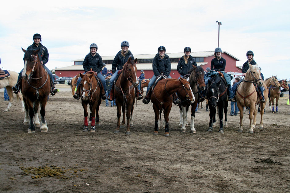 2014-02-25-equestrian-team-14