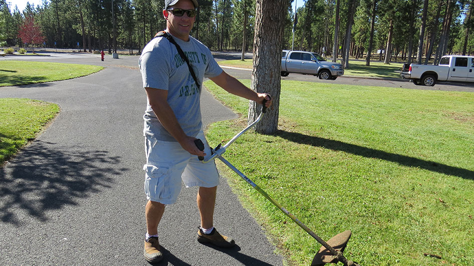 2014-08-29-Staff-Grounds-Cleanup-Day-09