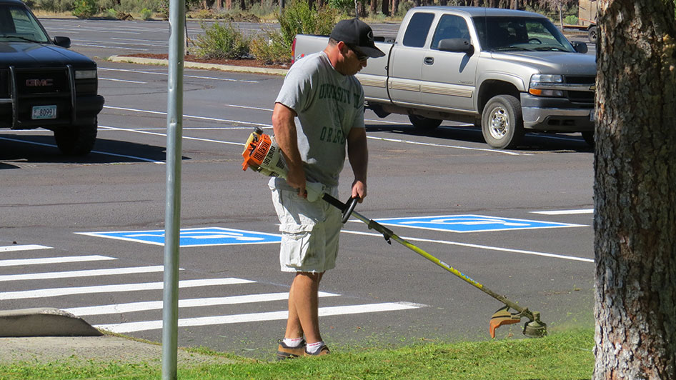2014-08-29-Staff-Grounds-Cleanup-Day-26