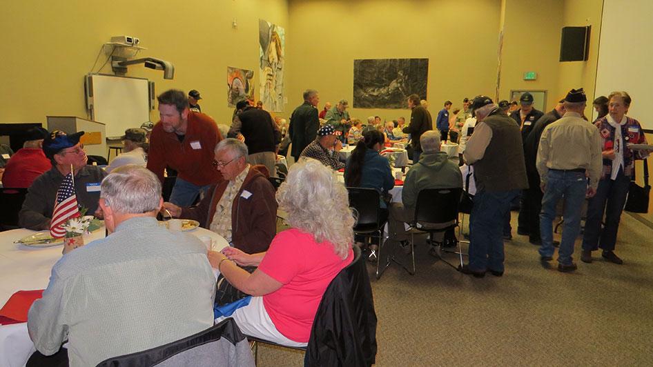 2014-11-07-Veterans-Day-Breakfast-08