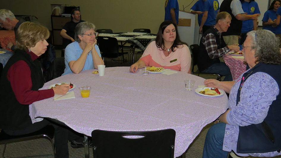 2015-05-07-Key-Club-Annual-Kiwanis-Breakfast-05