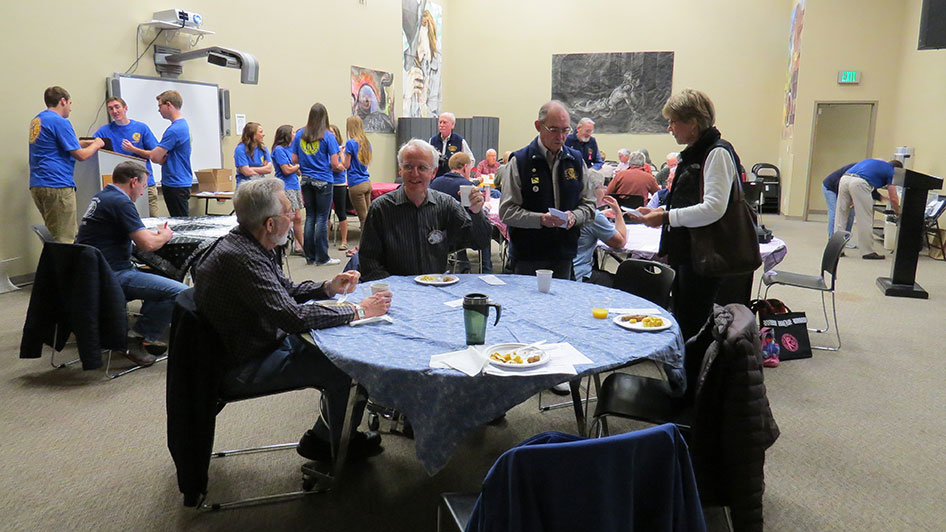2015-05-07-Key-Club-Annual-Kiwanis-Breakfast-10